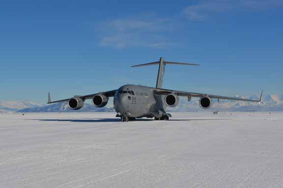 U.S. Air Force C-17 at the Pegasus ice runway